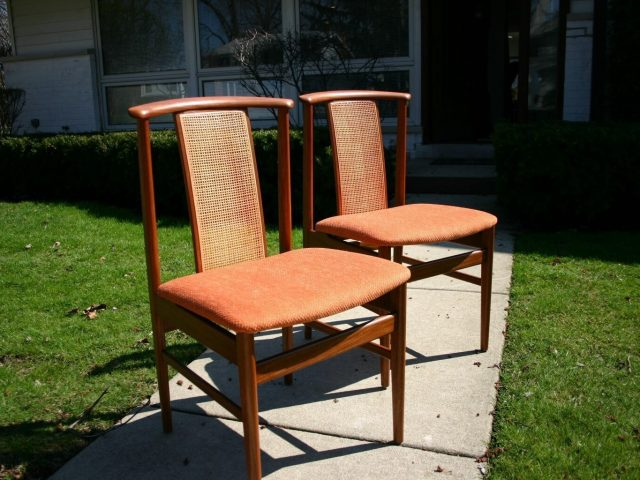 Custom dining table chairs