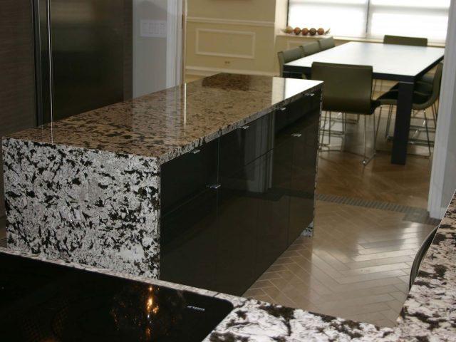 High gloss kitchen island