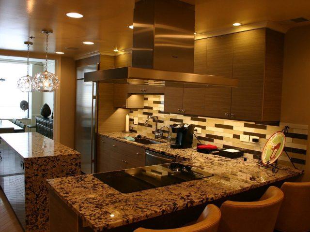 High gloss and laminate kitchen cabinets
