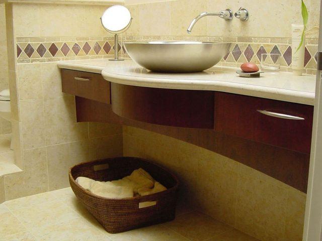 Radius vanity made from mahogany wood