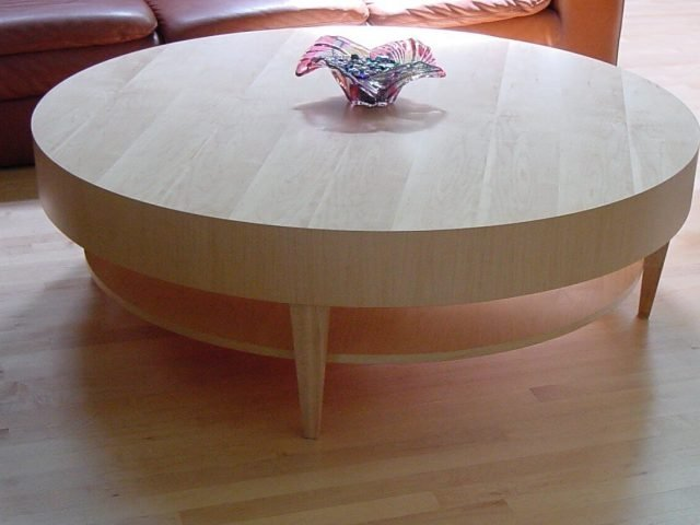 Round coffee table made from maple wood