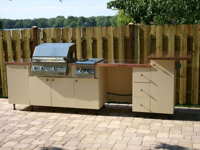 Star board outdoor kitchen with grill