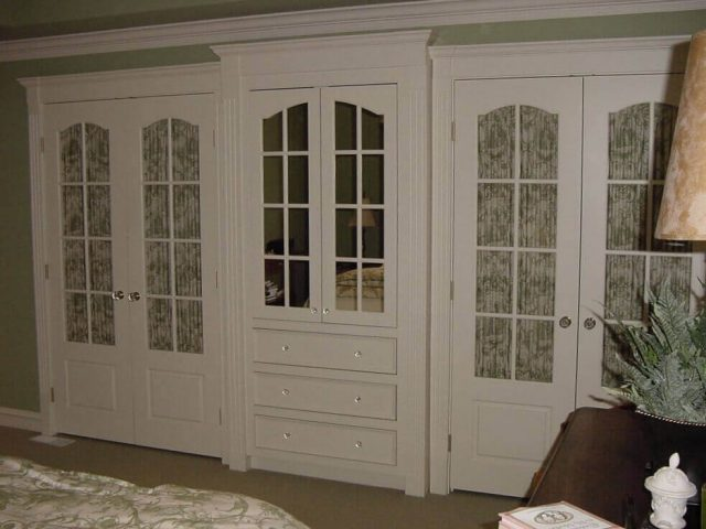 White bedroom armoire